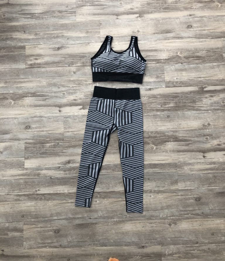 Black and grey leggings and bra