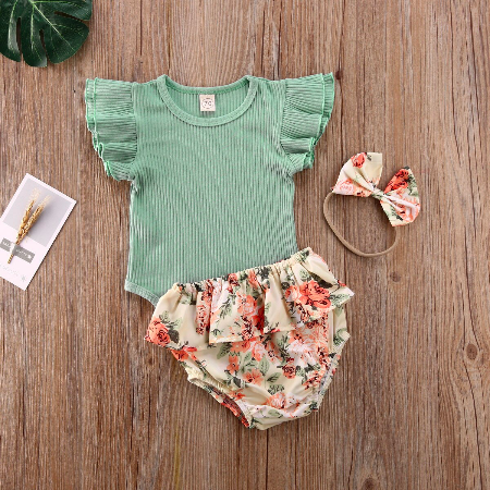 Green_ruffled_ribbed_bodysuit_floral_shorts