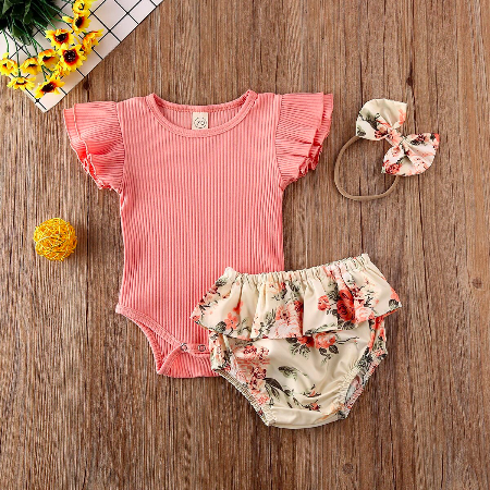 Ruffled_Ribbed_Bodysuit_Floral_Shorts